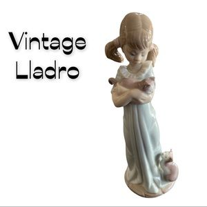 Lladro Don't Forget Me Girl Figurine